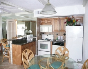 Coral Reef Dining and Kitchen area
